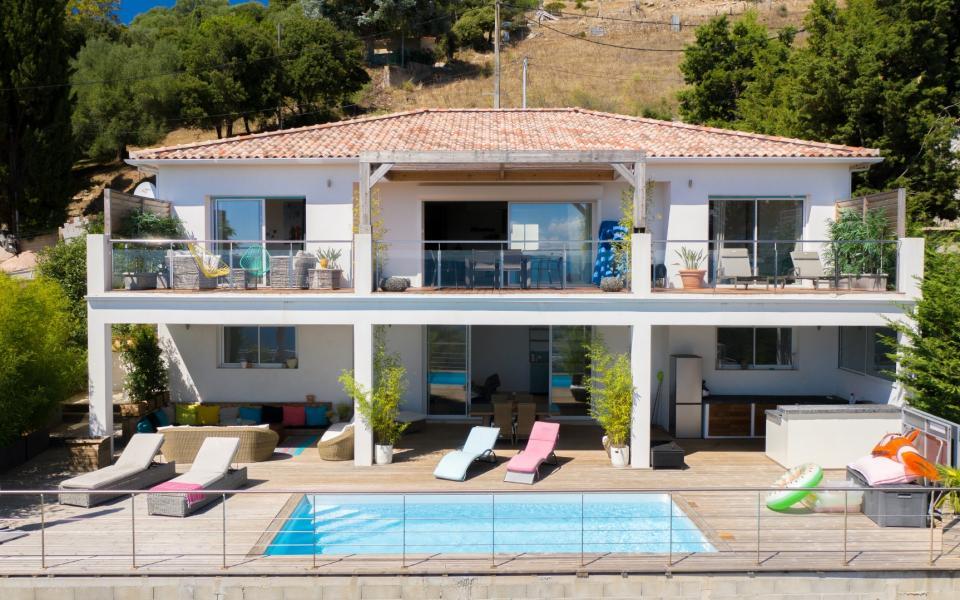 Villa ALATA vue 1