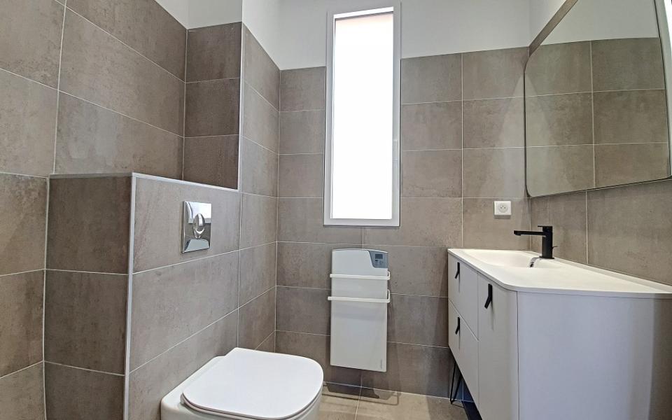 F2 à louer Marengo salle de douche
