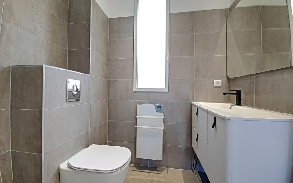 F2 à louer Trottel  Marengo salle de douche