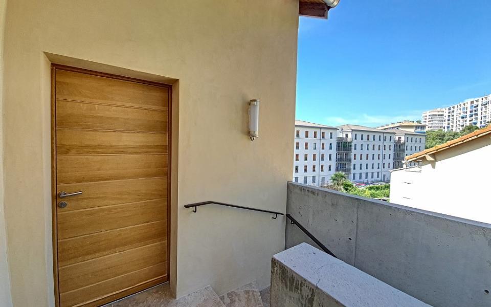 F2 à louer Trottel  Marengo accès appartement