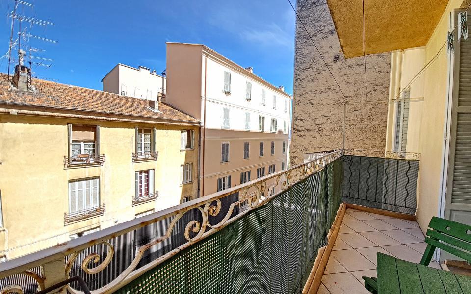 F2 à louer rue Pompeani terrasse