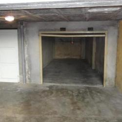 Corse ajaccio location garage bvd mme mere a louer box for Location garage box