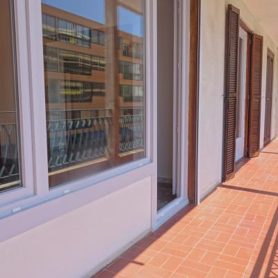 F4 FINOSELLO terrasse côté salon