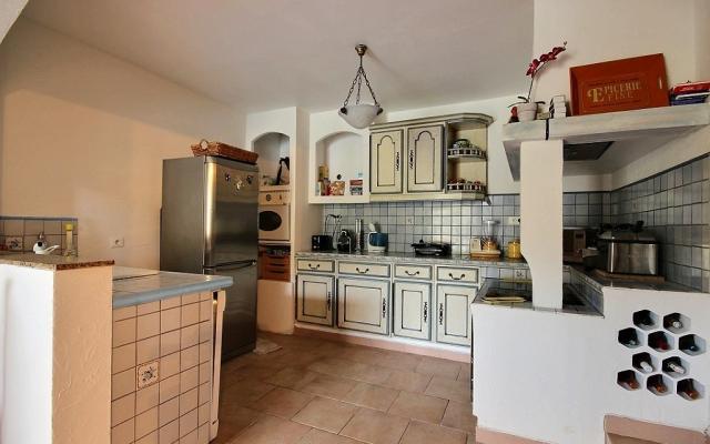 Cuisine 2, Maison T4 a vendre proche Mezzavia, En Corse, à Ajaccio