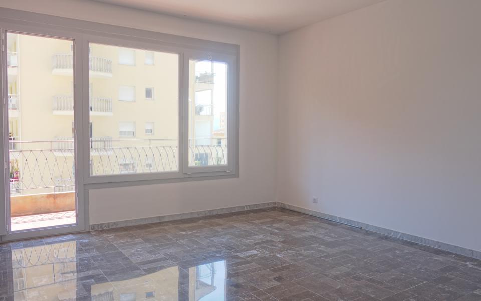 En Corse, à Ajaccio, Location d'un bel appartement de type F4, 98m², secteur Finosello, Avenue Mal Lyautey.