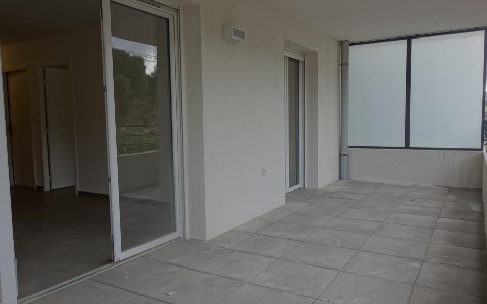 a louer f2 stiletto terrasse
