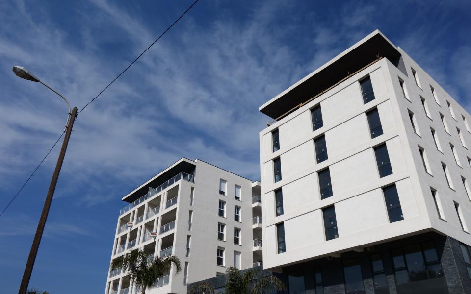 F3 PALMERAIE salon immeuble partie droite