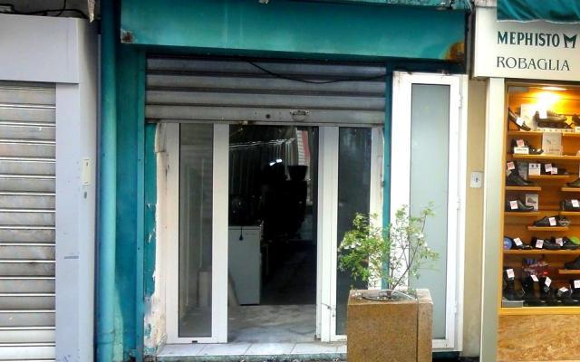vente murs et fonds de commerce, rue fesch, ajaccio, zone piétonne