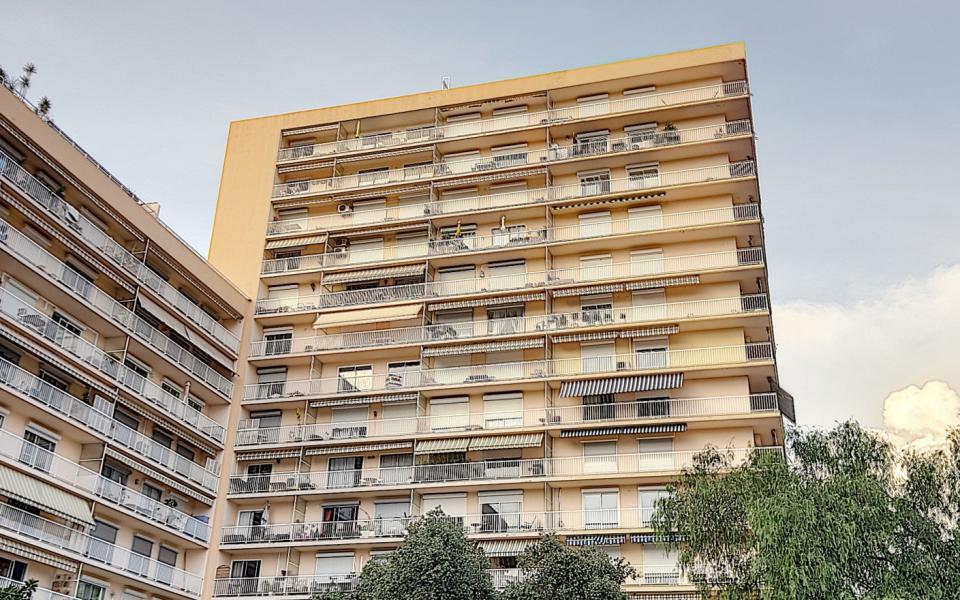 f2 à louer le Belvedere immeuble
