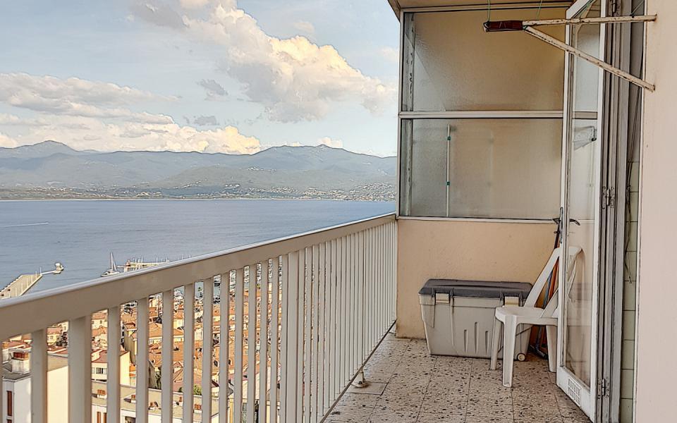 F2 à louer le Belvedere terrasse