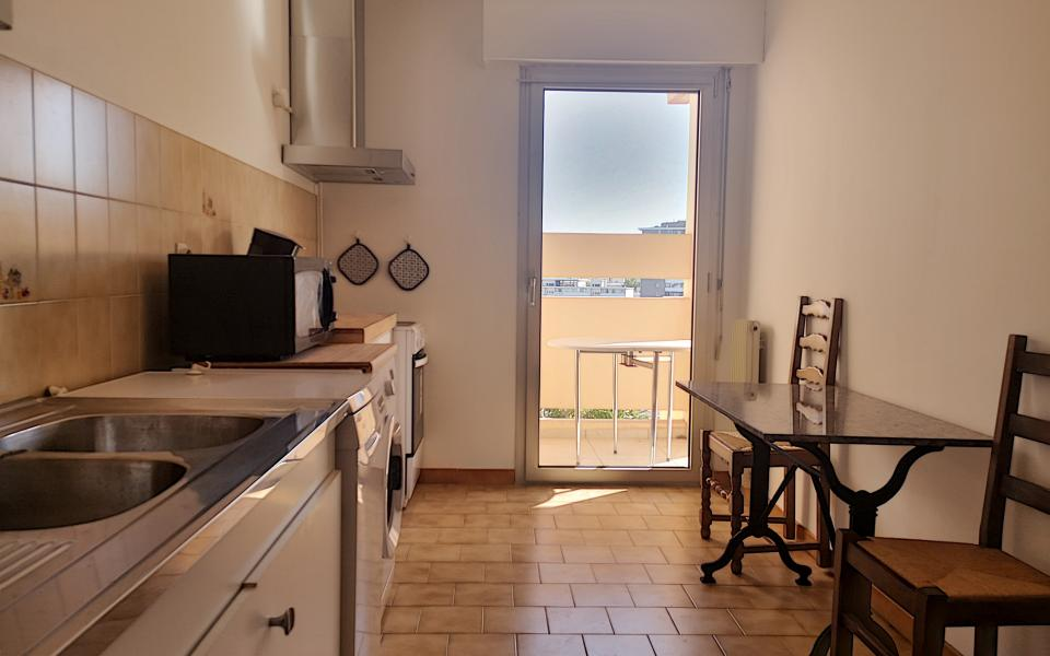 F3 meublé chemin de Biancarello cuisine