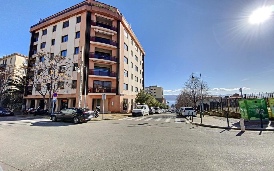 F3 Quartier des étrangers Ajaccio - Immeuble