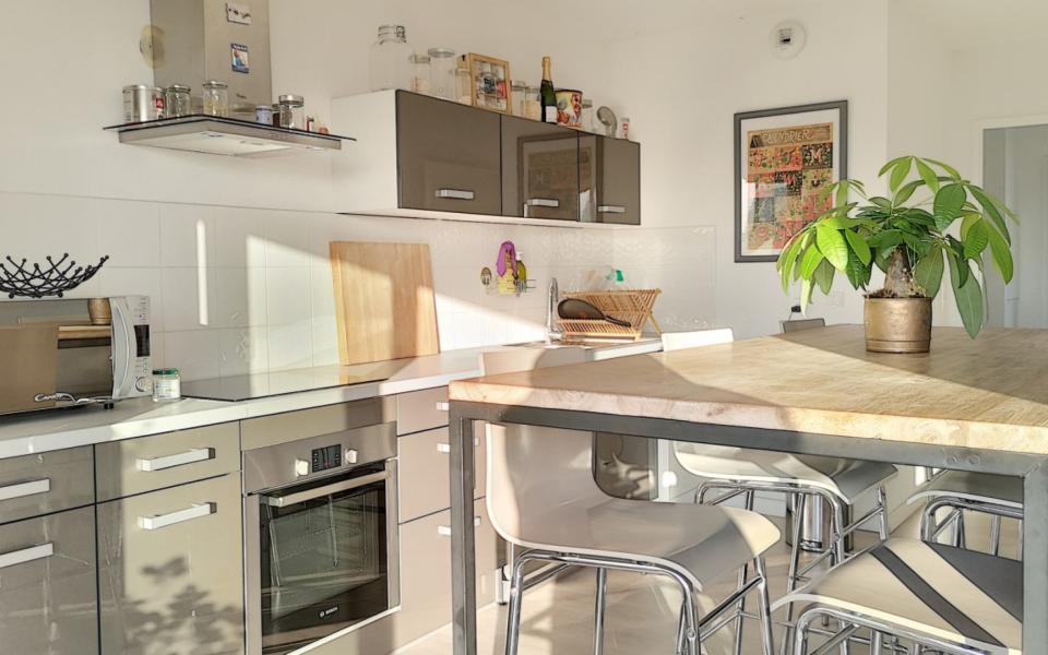 F3 à louer le Belvedere Vazzio coin cuisine