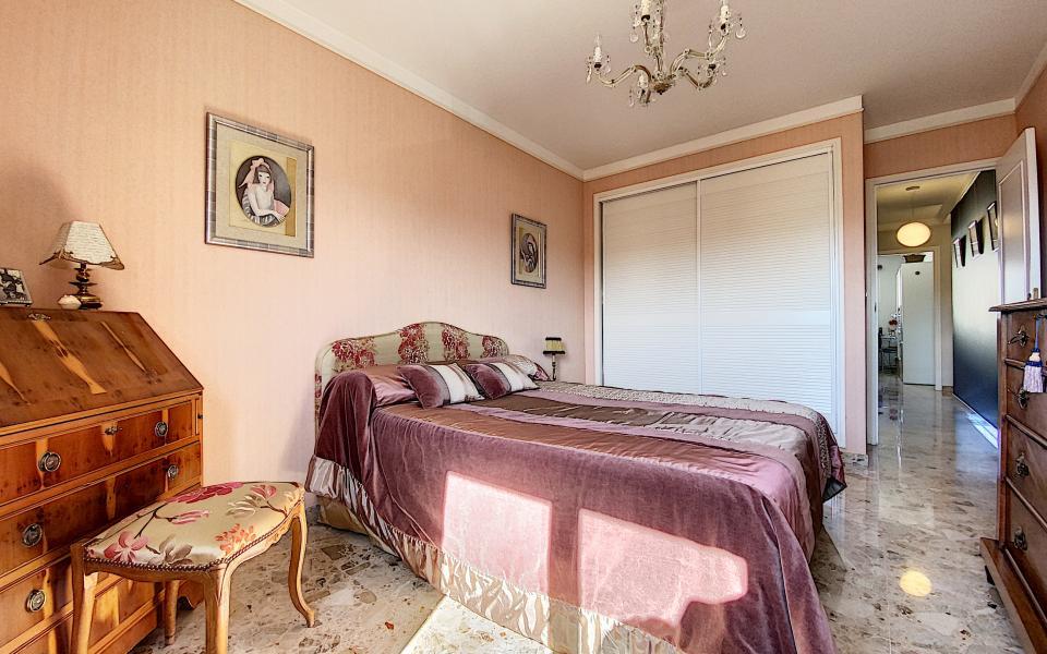 F3 à vendre à ajaccio Parc-Azur chambre