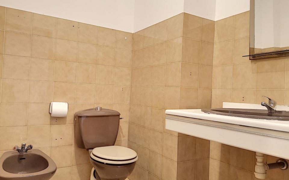 F3 à louer le Pelican  salle de bains