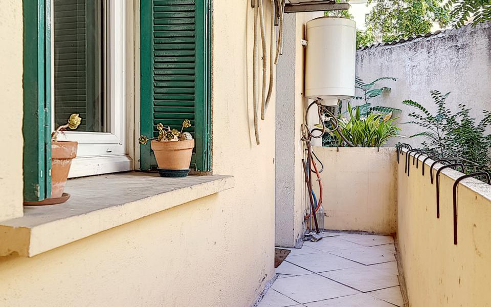 F3 meublé rue des Pommiers balcon