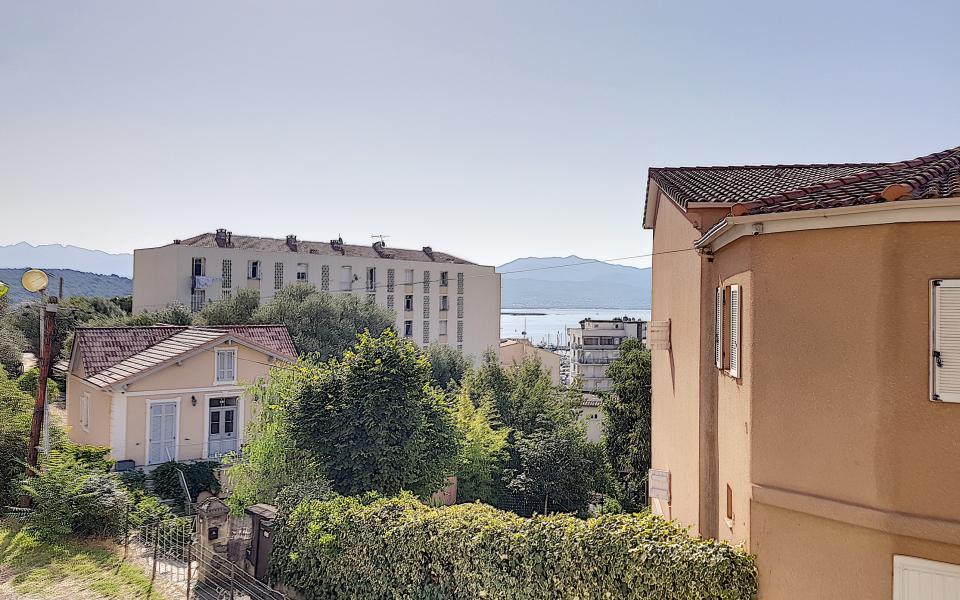 F3 meublé rue des Pommiers vue deduis appartement