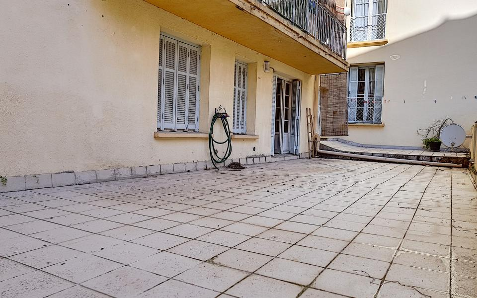 F3 à louer rue Pompéani terrasse