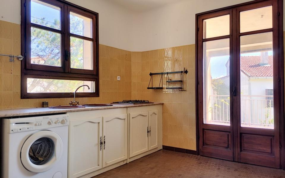 A louer Haut de villa F4 Alata  cuisine