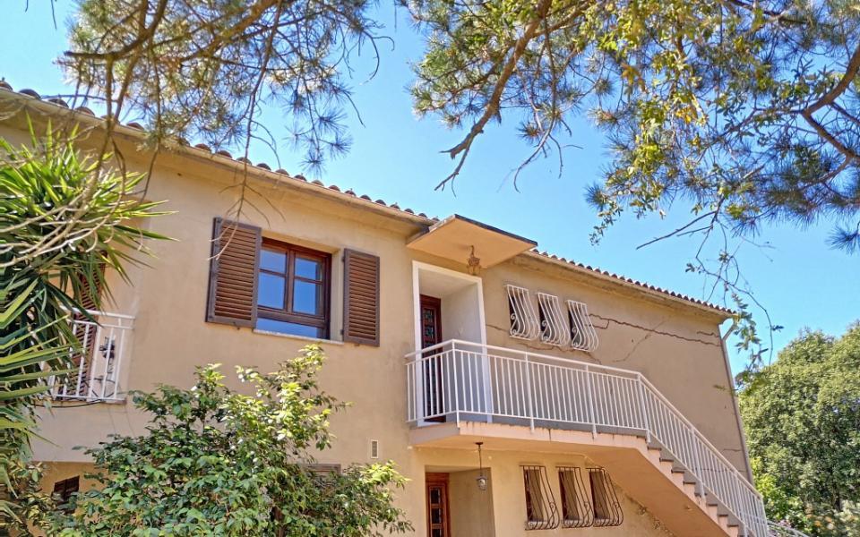 A louer Haut de villa F4 Alata maison