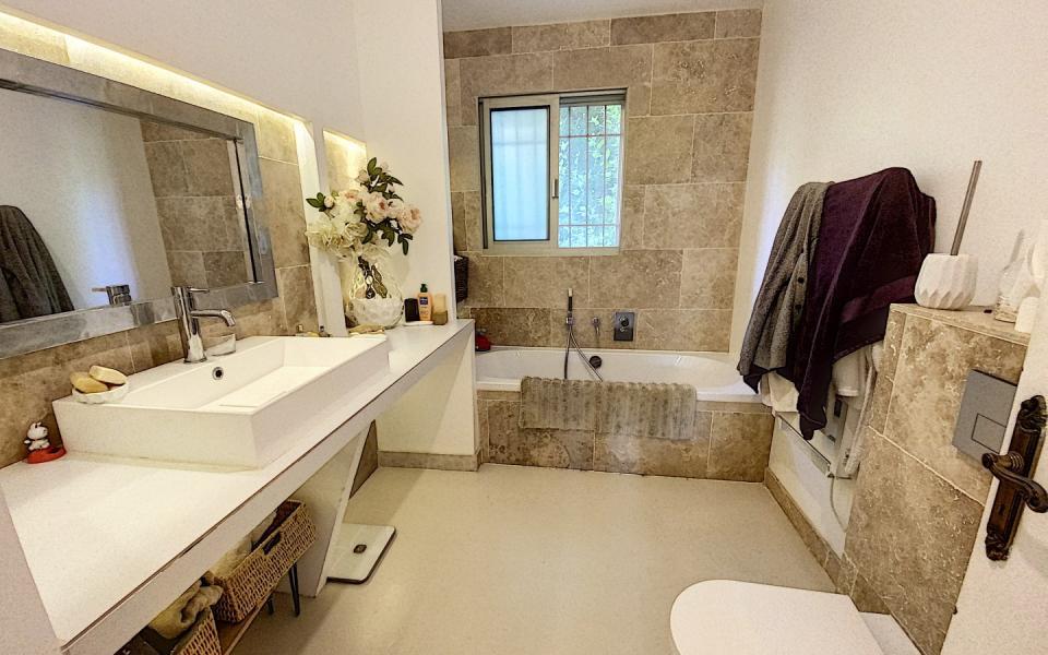 F4 SALARIO salle de bain