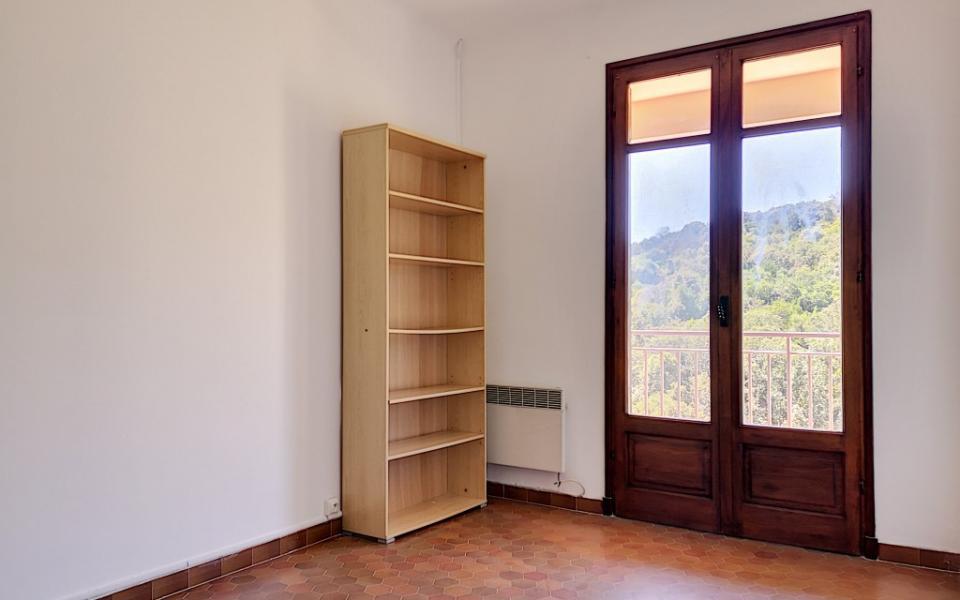 A louer Haut de villa F4 Alata chambre