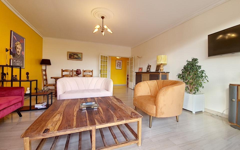 F4 meublé à louer PALAIS GRANDVAL séjour