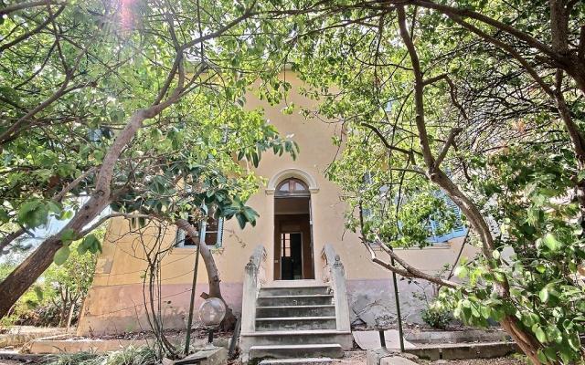 Façade, Villa avec jardin en plein centre d'Ajaccio
