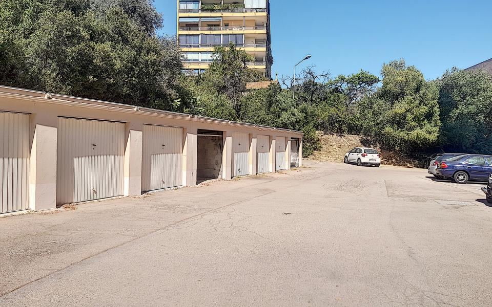 A louer garage résidence Plein Soleil Sanguinaires