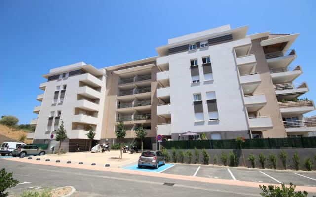 Vente appartement f3 neuf ajaccio avec terrasse et parking for Appartement f3 neuf