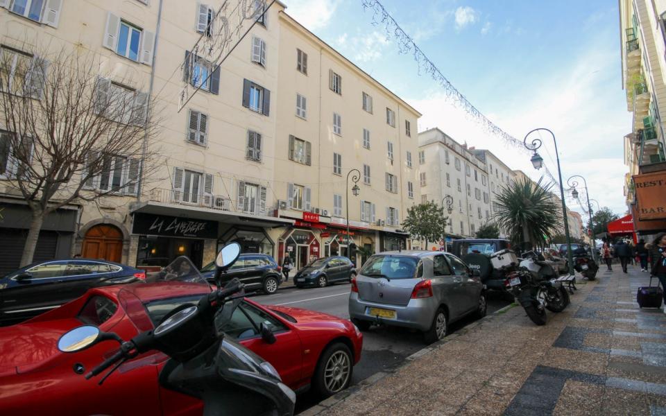 En Corse à Ajaccio, Vente d'un appartement F4 Centre ville d'Ajaccio, Cours napoléon