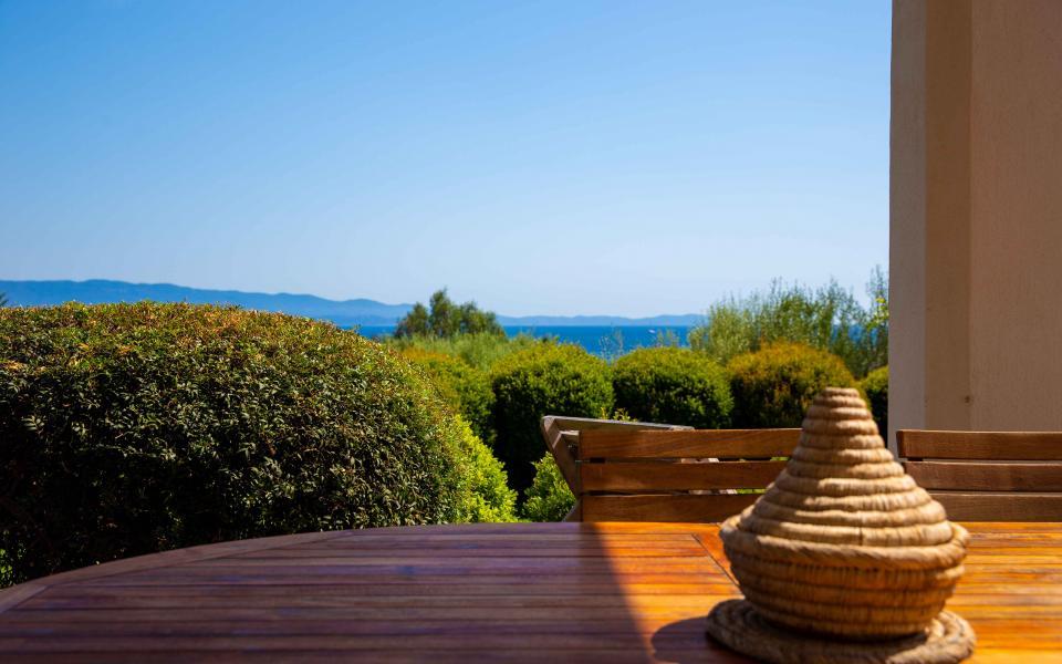 A vendre maison Route des Sanguinaires Barbicaghja vue jardin