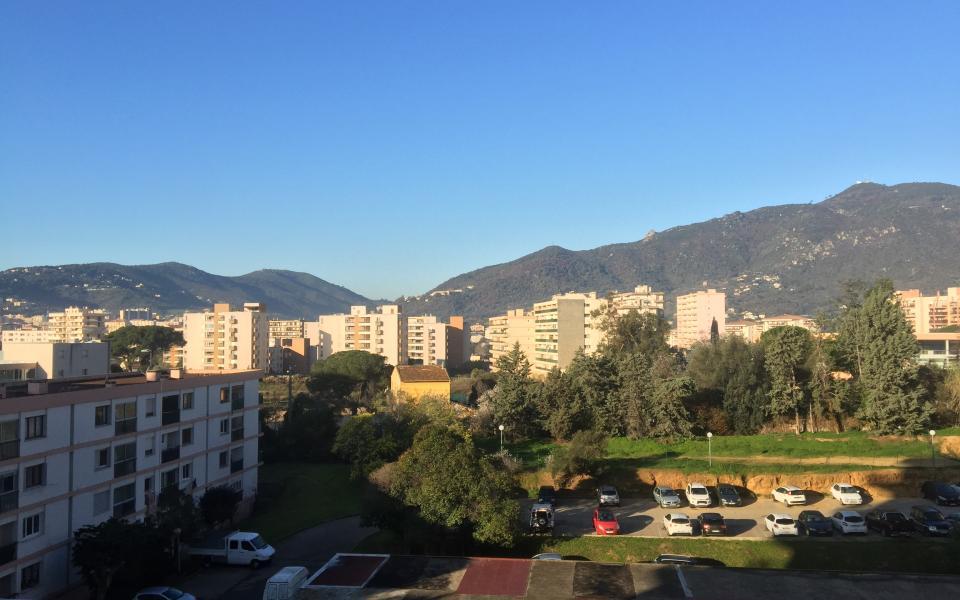 Location appartement maison ou villa ajaccio en corse for Ajaccio location maison