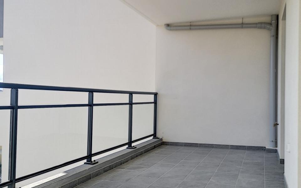 F4  à louer Carré Bodiccione 3ème étage terrasse