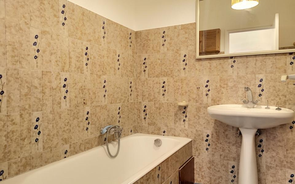 local professionnel diamant salle de bain