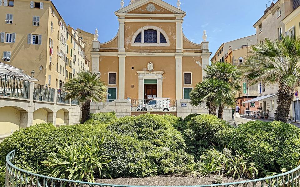 Vente d'un appartement F2 rénové-Centre historique Ajaccio - CATHEDRALE