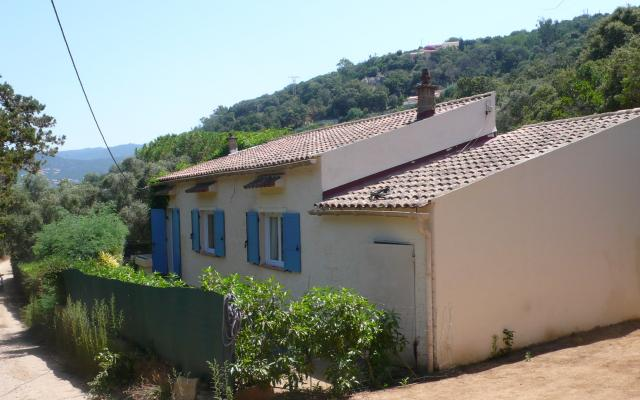 Maison de type F2, proche de la plage.