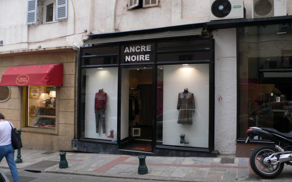Local commercial centre ville ajaccio- VITRINE