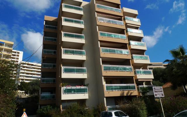 Immeuble, Location F2 Sanguinaires