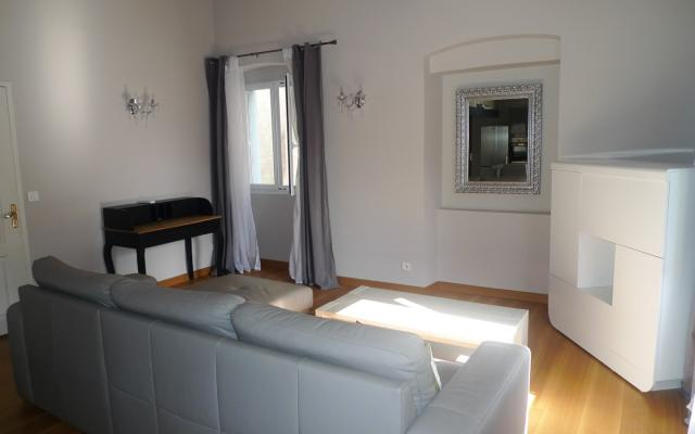 Salon, Location appartement F3 rue Fesch