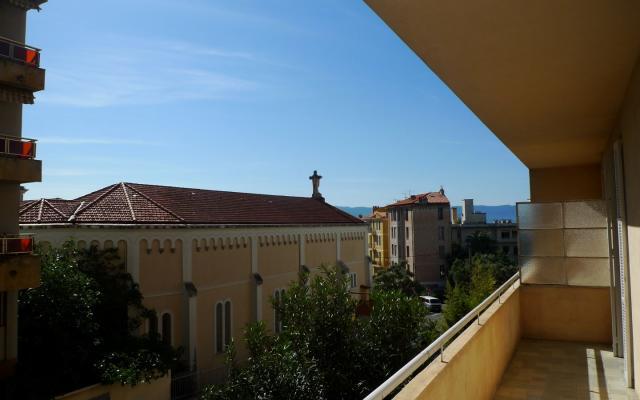 En Corse à Ajaccio, location d\'un appartement F4 GRANDVAL