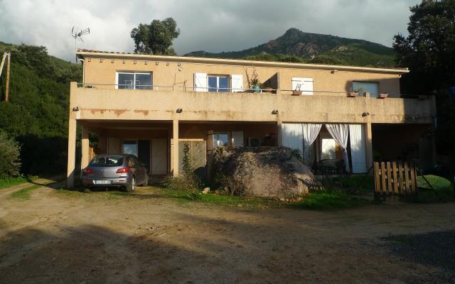 Maison louer en corse superbe villa de 90m avec piscine for Ajaccio location maison