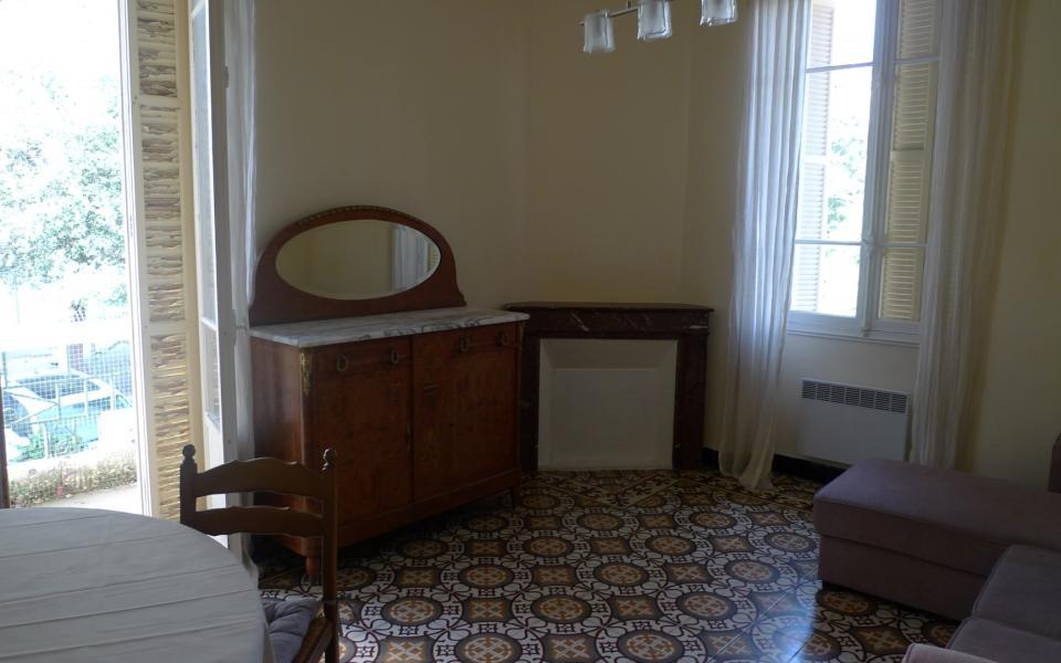 T3 COURS GRANDVAL salon suite