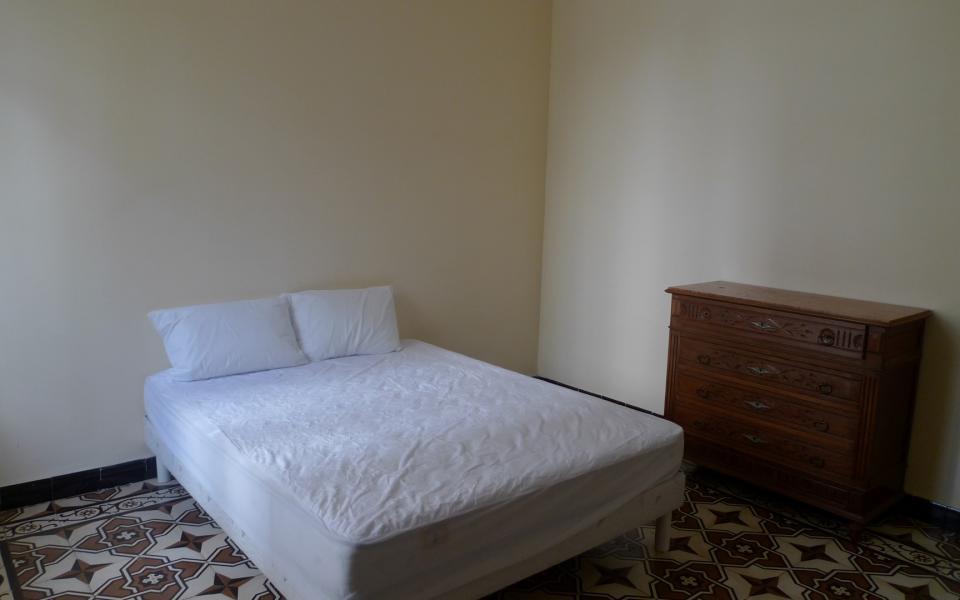 T3 COURS GRANDVAL chambre 2