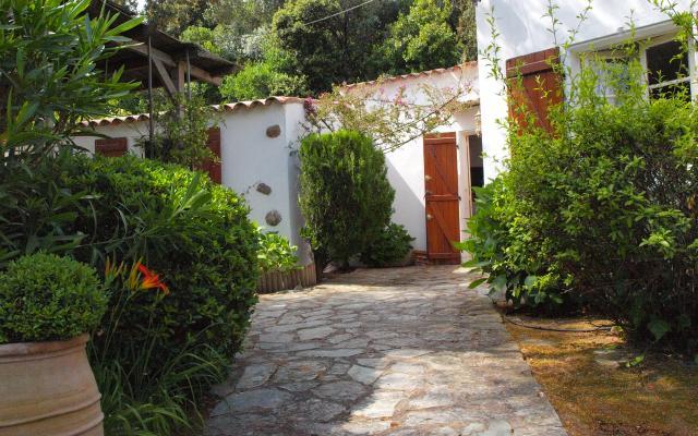Façade avec jardin, Maison F4 à louer proche de Coti Chiavari