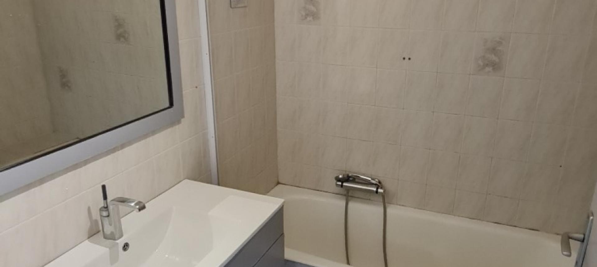 F3 à louer Alzo di sole salle de bains