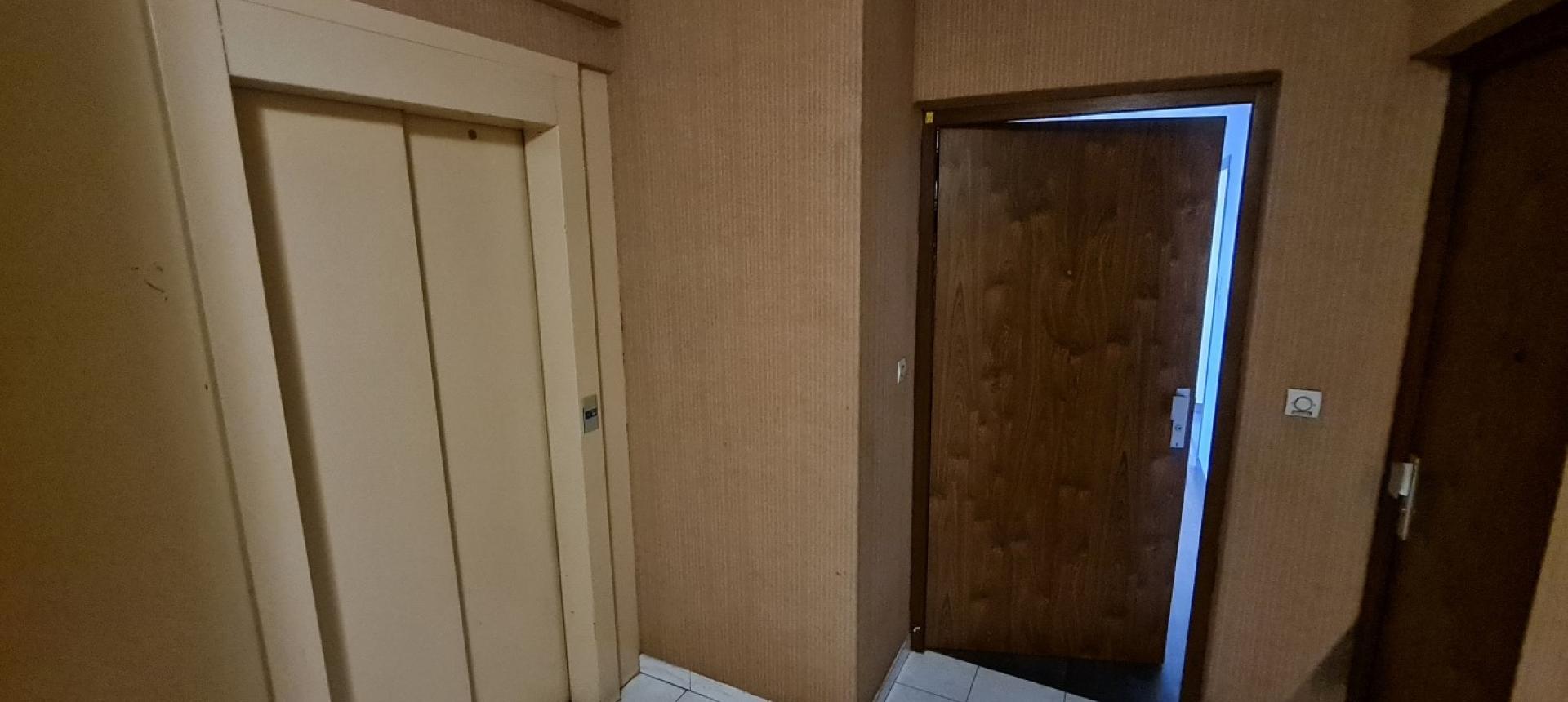 F3 à louer Alzo di sole entrée hall