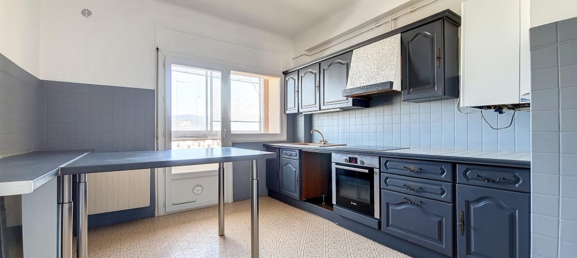 F3 à louer immeuble Masseria cuisine