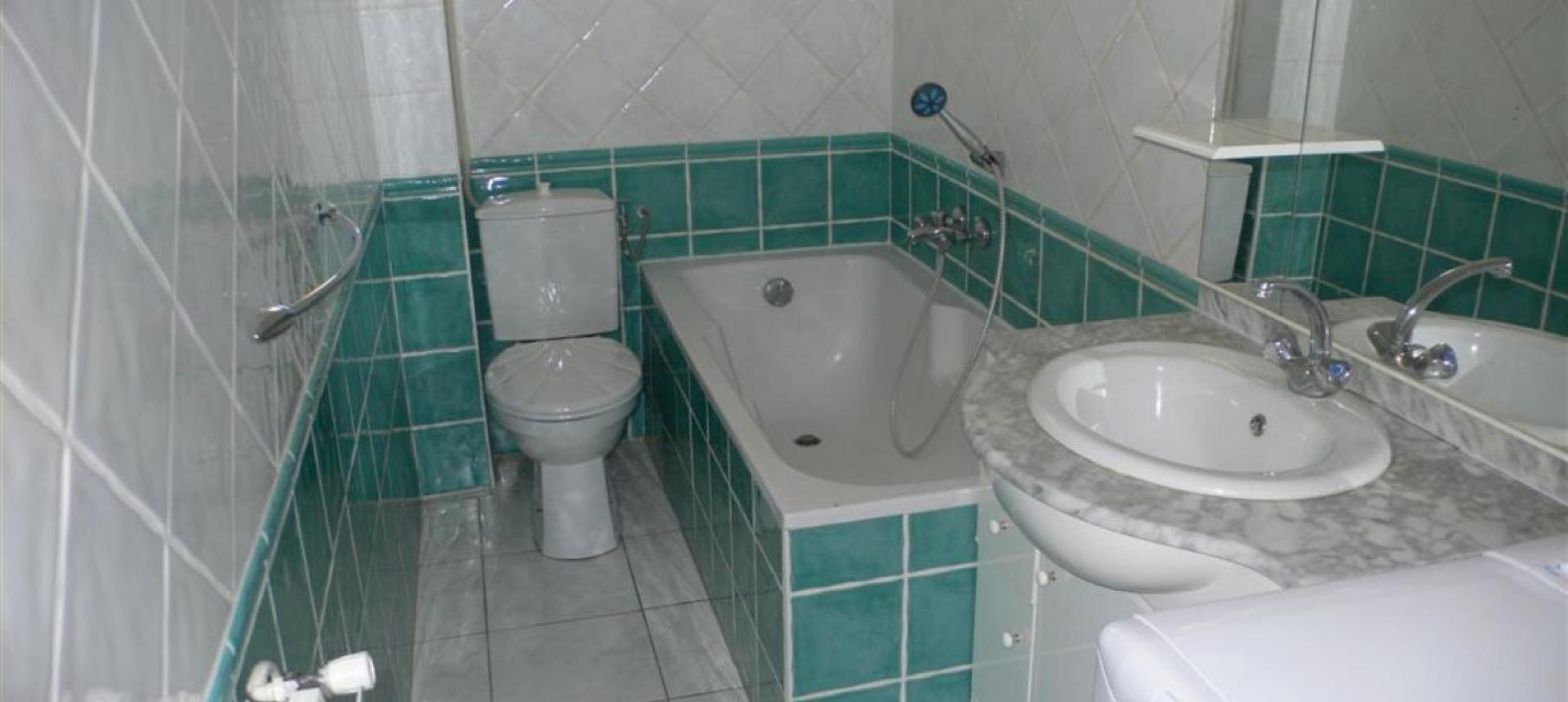 F2  à louer Salario salle de bains