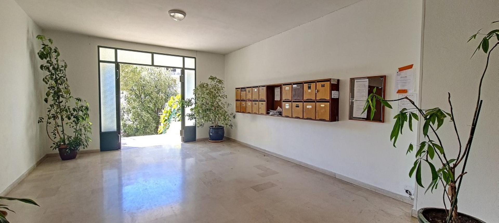 F3 à louer le Lemnos hall immeuble